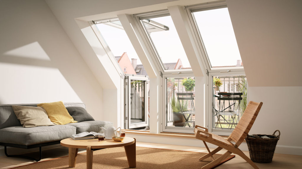 Dachbodenausbau Wohnraum Velux Fenster