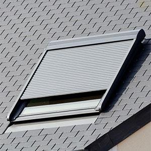Dachfenster Rolladen aussen